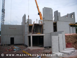 Betonfertigteil-Bauweise